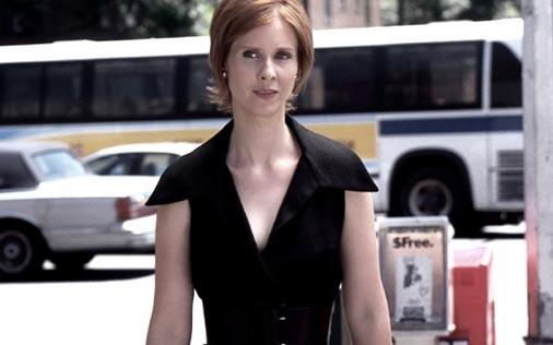 Cynthia Nixon è Miranda in una scena di Sex and the City, episodio Il momento migliore, il momento peggiore