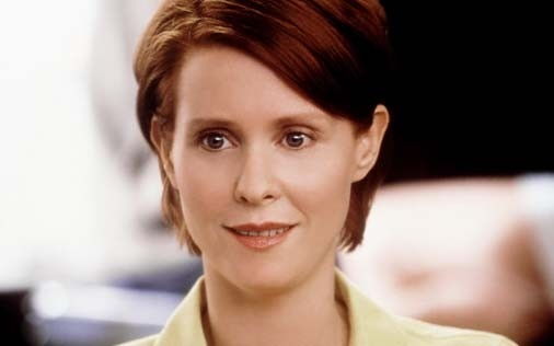 Cynthia Nixon in una scena di Sex and the City, episodio Sfide al femminile