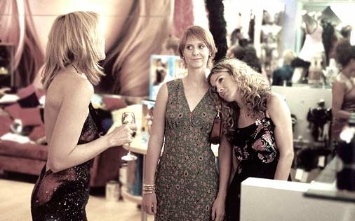 Cynthia Nixon, Sarah Jessica Parker e Kim Cattrall in una immagine di Sex and the City, episodio Fuga dalla città