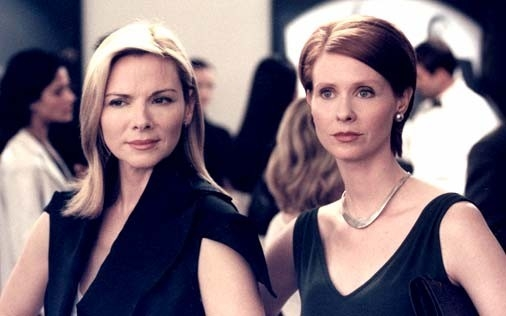 Cynthia Nixon, Sarah Jessica Parker, Kim Cattrall e Kristin Davis in una scena di Sex and the City, episodio L'altro sesso nascosto