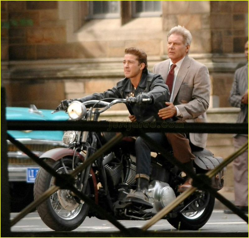 Harrison Ford e Shia laBeouf sul set di Indiana Jones 4