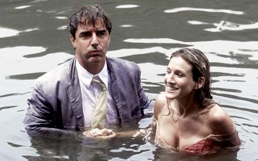 Sarah Jessica Parker e Chris Noth in una scena di Sex and the City, episodio Chi la fa l'aspetti