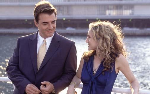 Sarah Jessica Parker e Chris Noth in una scena di Sex and the City, episodio Il momento giusto