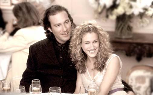 Sarah Jessica Parker e John Corbett  in una scena di Sex and the City, episodio Nessuna domanda, nessuna risposta