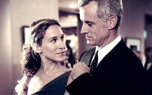 Sarah Jessica Parker e John Slattery in una scena di Sex and the City, episodio Politicamente eretto