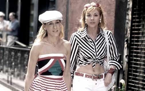 Sarah Jessica Parker e Kim Cattrall in una scena di Sex and the City, episodio Il momento migliore, il momento peggiore