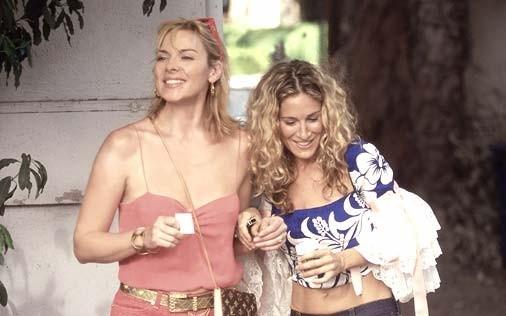 Sarah Jessica Parker e Kim Cattrall in una scena di Sex and the City, episodio L'apparenza conta?