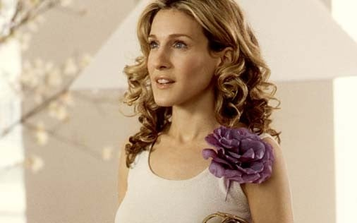 Sarah Jessica Parker in una scena di Sex and the City, episodio D'amore o d'accordo