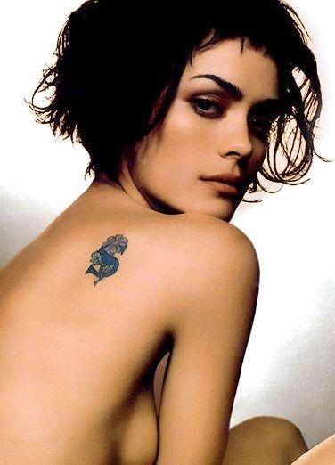 il tatuaggio di Shannyn Sossamon