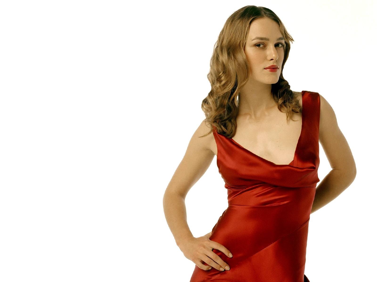 Wallpaper di Keira Knightley, sexy e chic in rosso