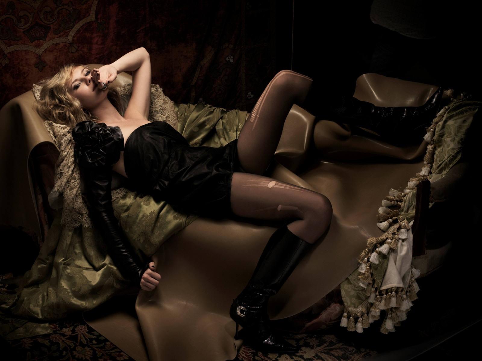 Wallpaper di Kirsten Dunst sensualissima