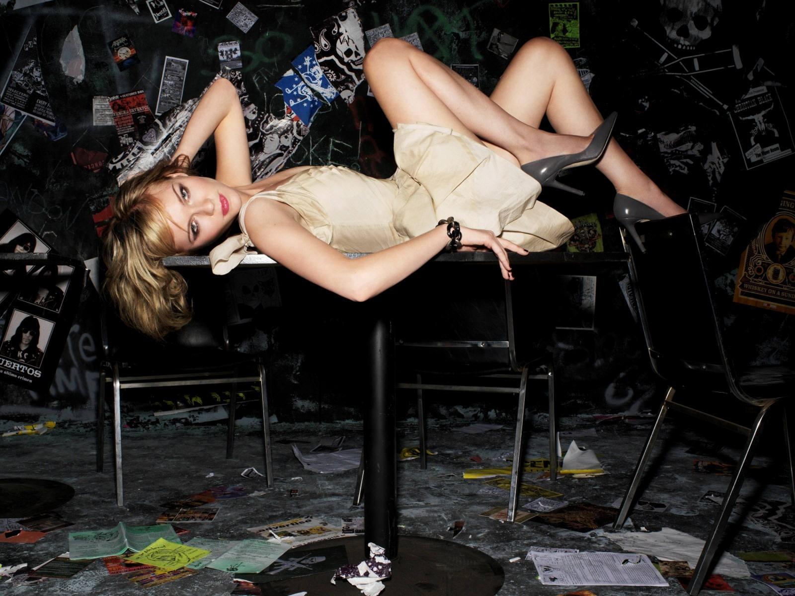 Wallpaper di Kirsten Dunst, elegante, glamour e sexy