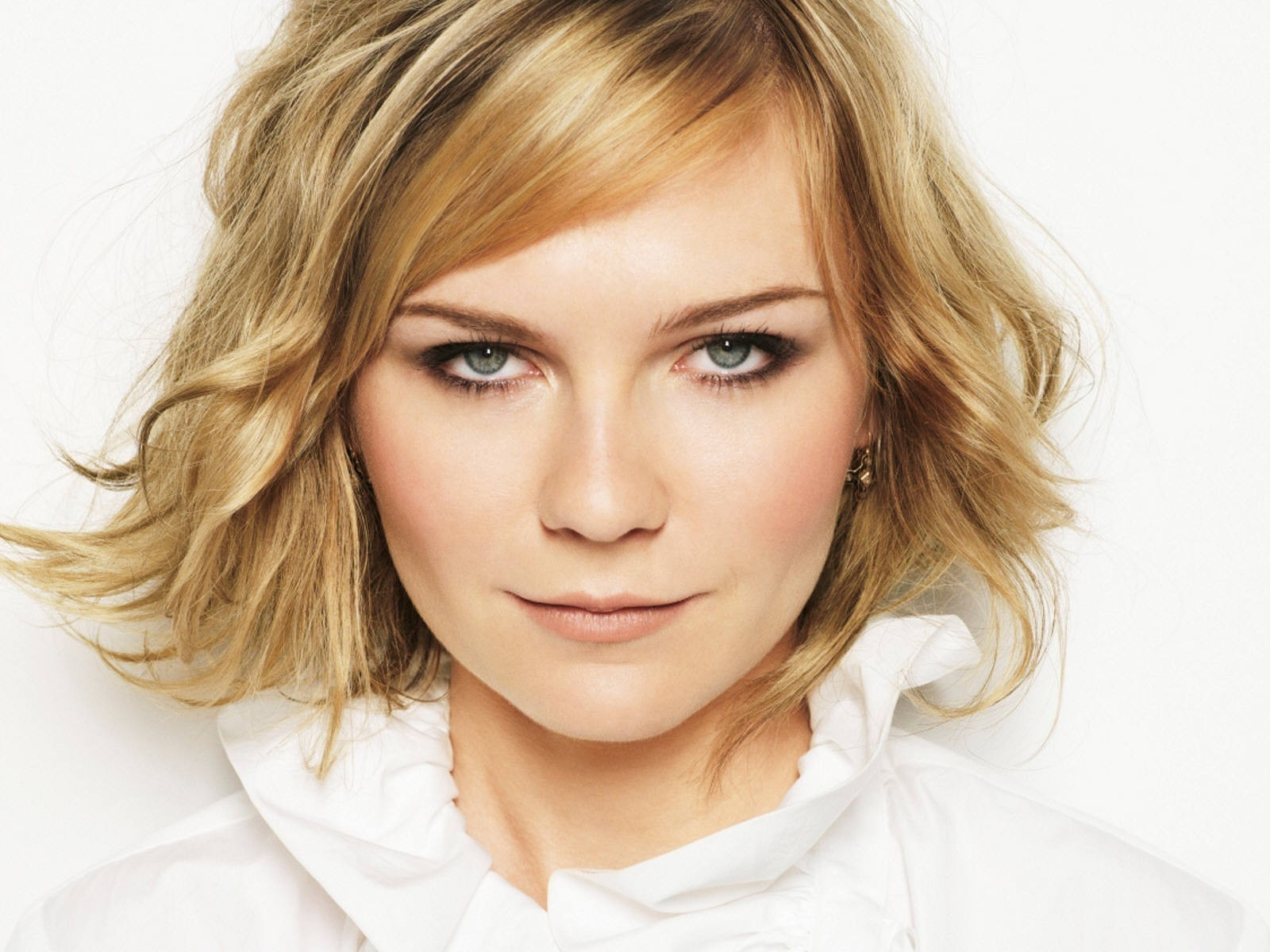Wallpaper di Kirsten Dunst, splendida come sempre