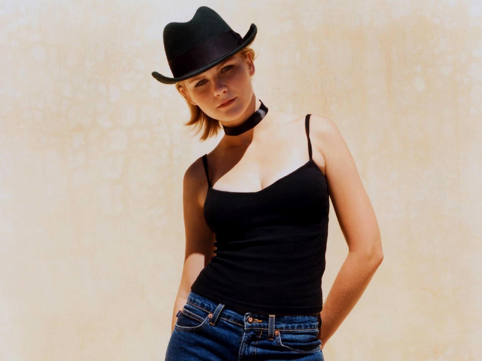 Wallpaper di Kirsten Dunst, sexy cowgirl