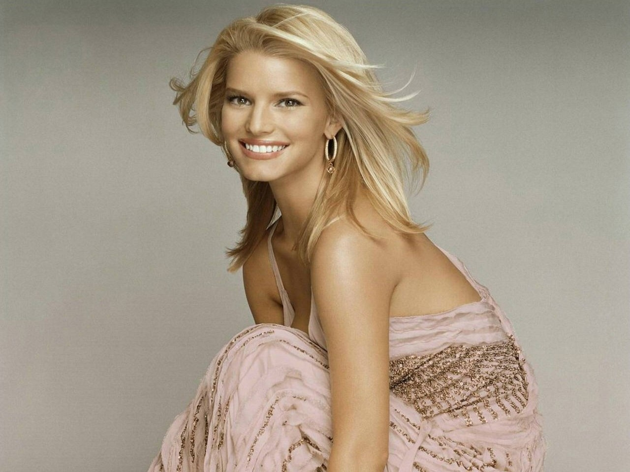 Wallpaper di Jessica Simpson, bella in rosa