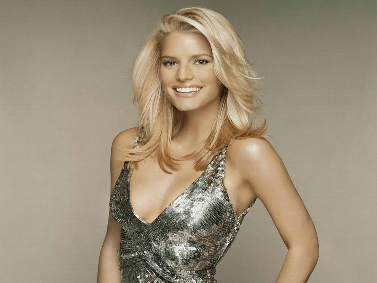 Wallpaper - riflessi glamour per Jessica Simpson