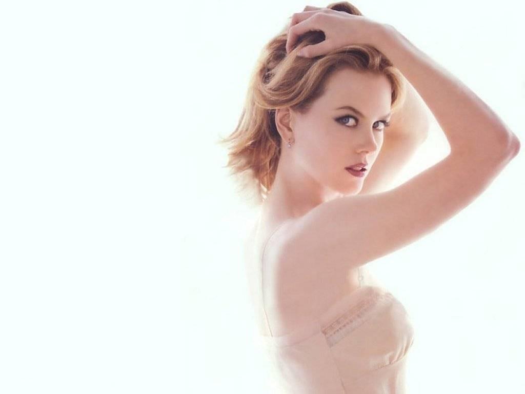 Wallpaper di Nicole Kidman su sfondo bianco