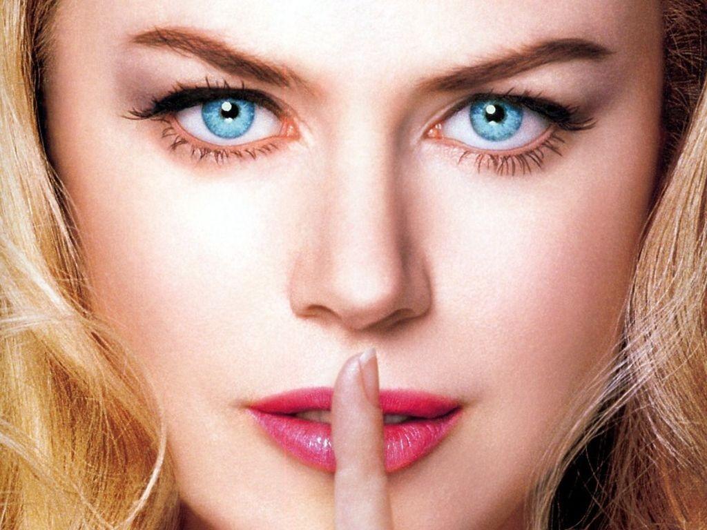 Wallpaper -  Nicole Kidman è La sposa perfetta