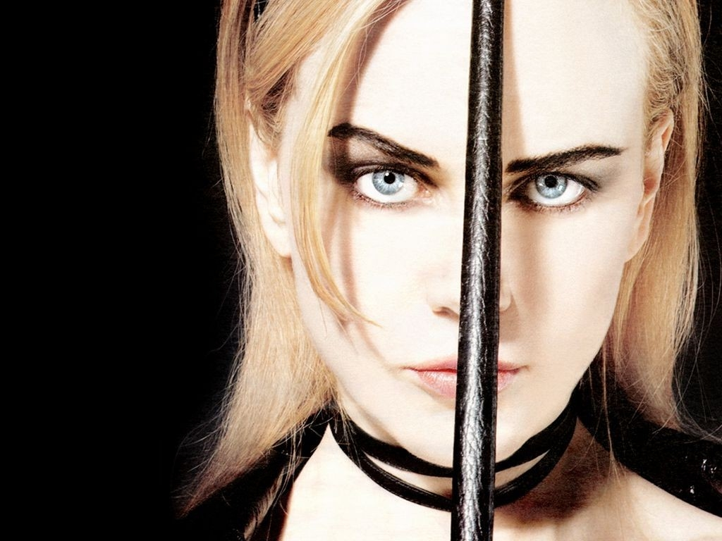 Wallpaper - frustino e incarnato color latte per Nicole Kidman in versione dominatrix