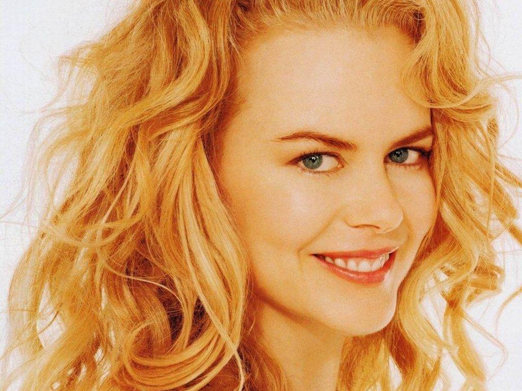Wallpaper di una sorridente immagine Nicole Kidman