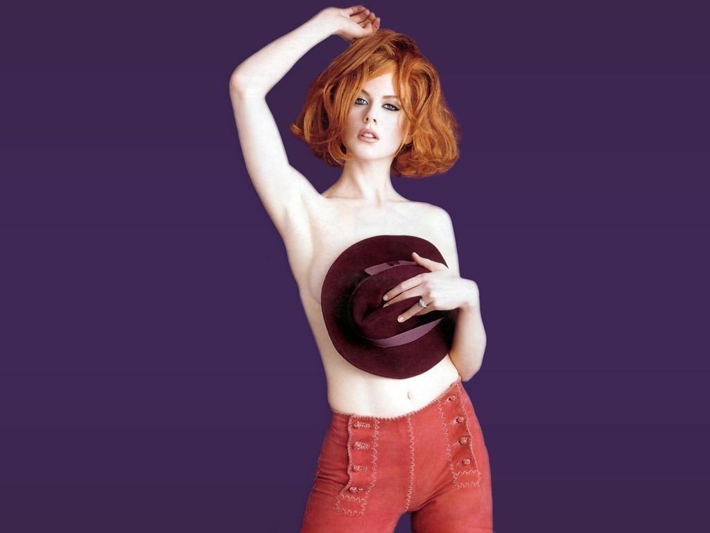 Wallpaper - una posa maliziosa di Nicole Kidman