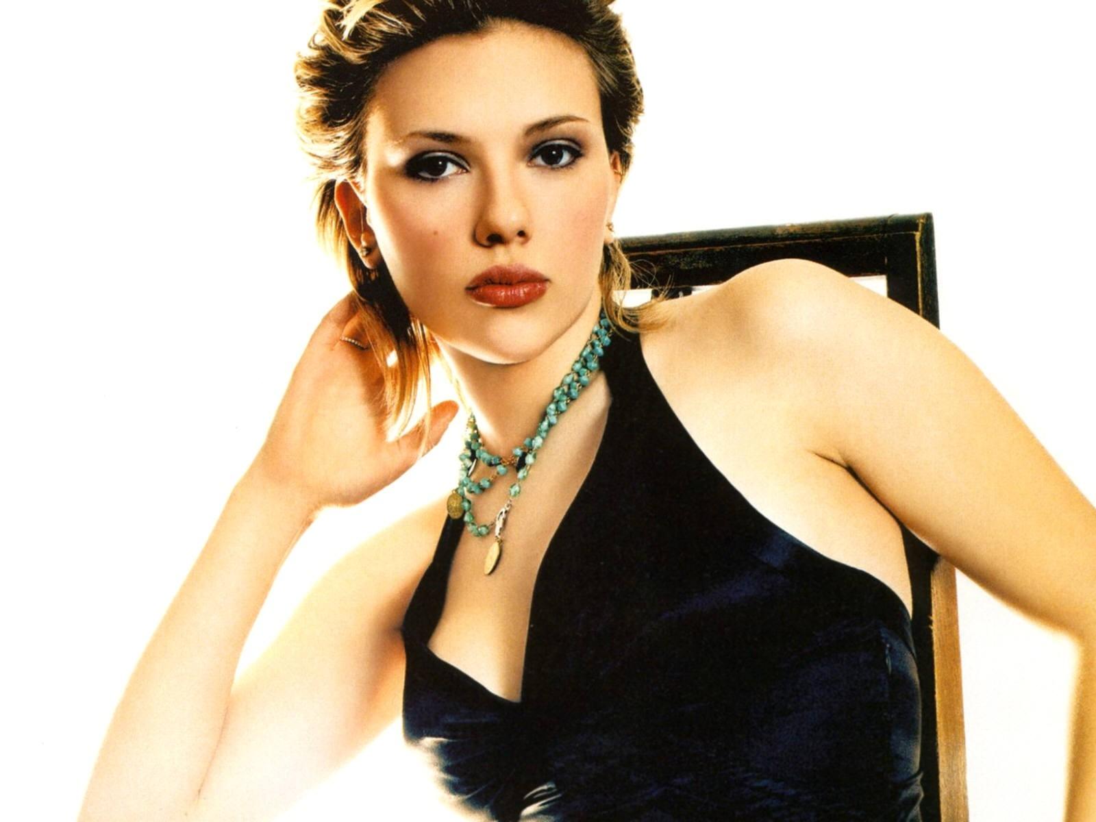 Wallpaper di una seducente Scarlett Johansson