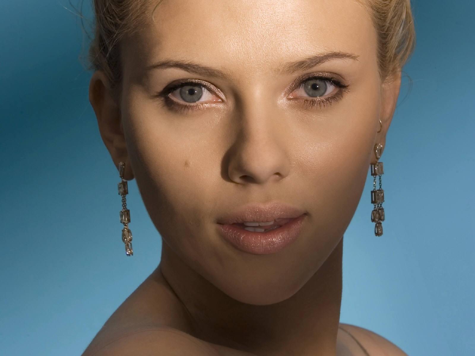 Wallpaper: Scarlett Johansson