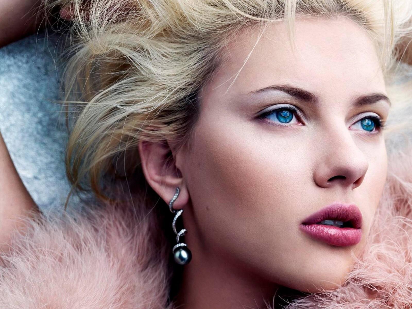 Un wallpaper di Scarlett Johansson
