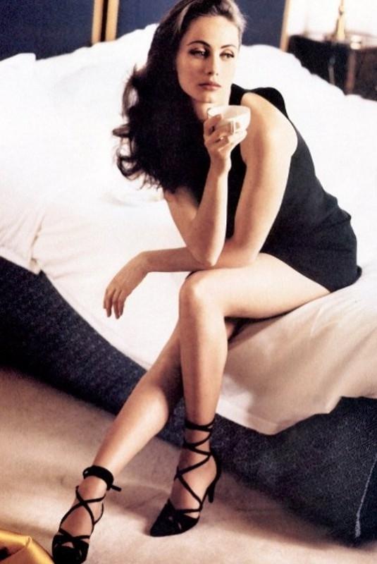 Una splendida e seducente Emmanuelle Béart