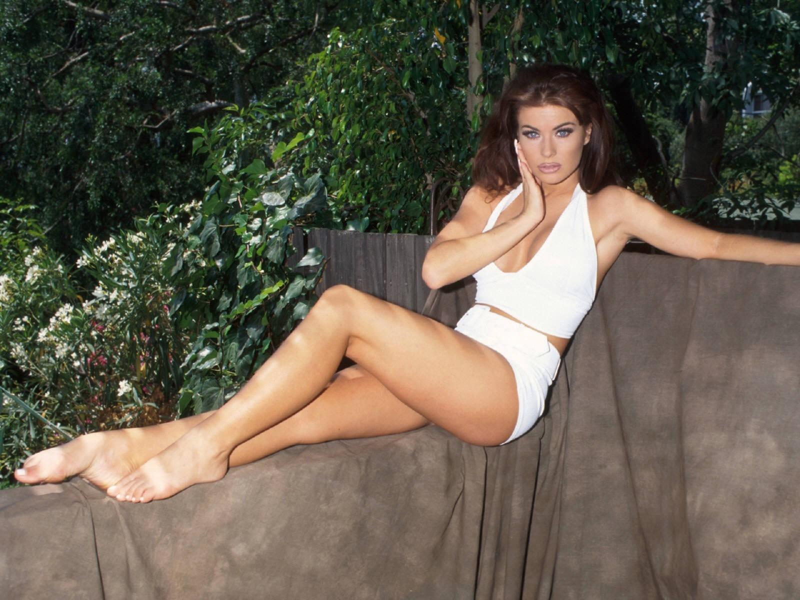 Wallpaper di Carmen Electra - l'attrice è nata il 20 Aprile 1972 sotto il segno dell'Ariete