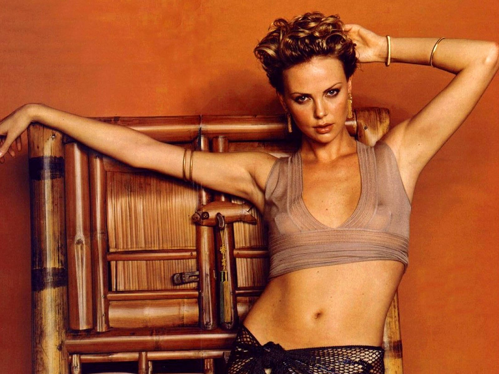 Wallpaper supersexy di Charlize Theron