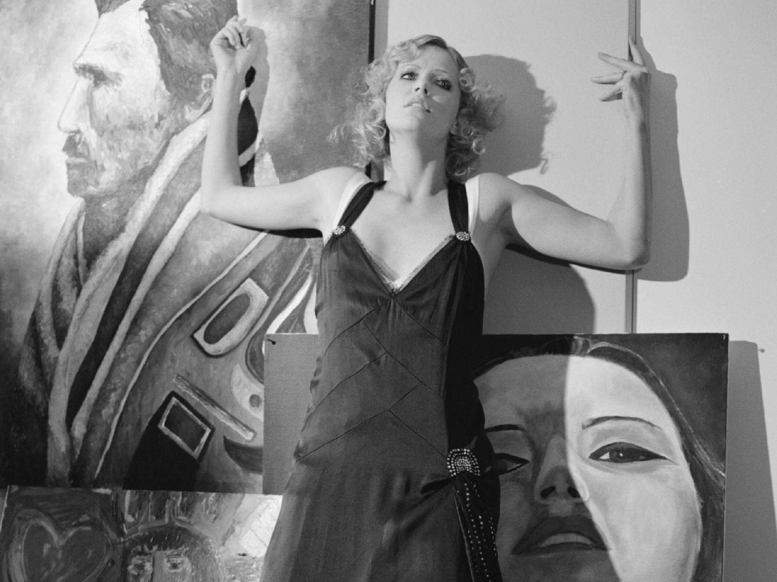 Wallpaper di Charlize Theron sexy e grintosissima