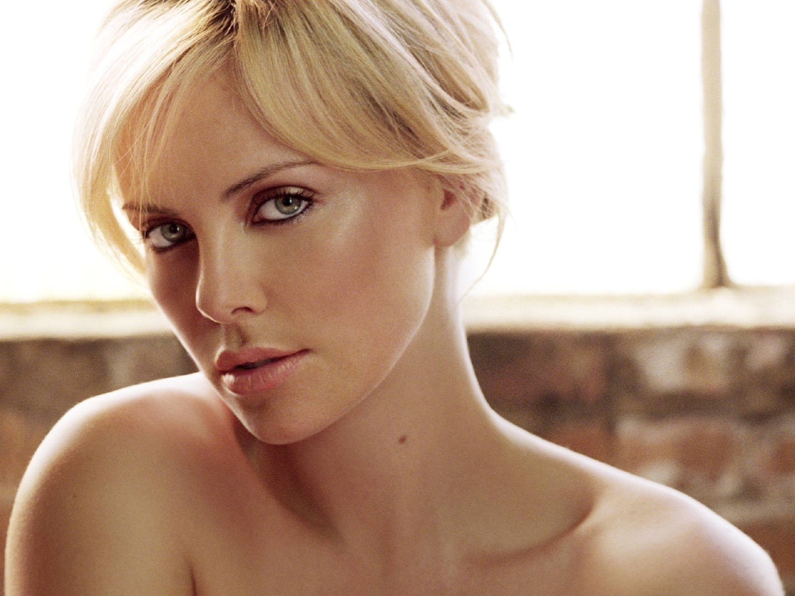 Wallpaper di Charlize Theron, premio Oscar per Monster