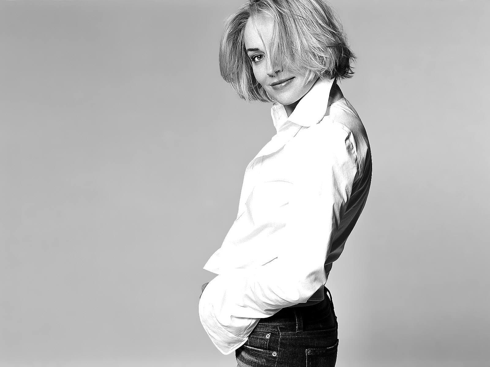 Wallpaper: una grintosa Sharon Stone