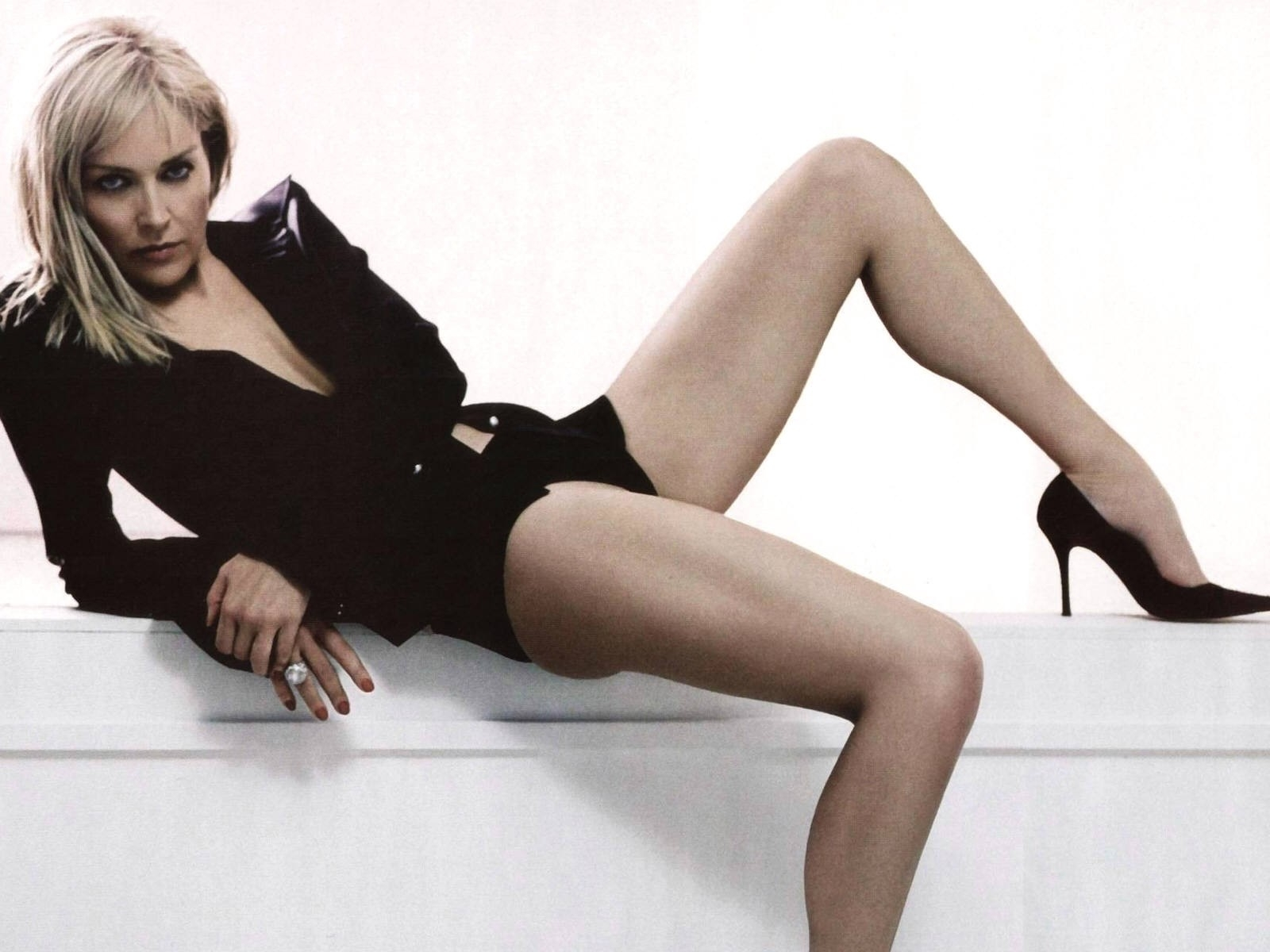 Wallpaper per il desktop di Sharon Stone