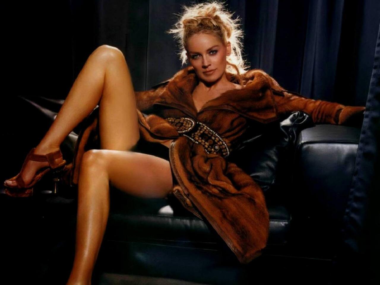 Wallpaper di Sharon Stone, venere in pelliccia