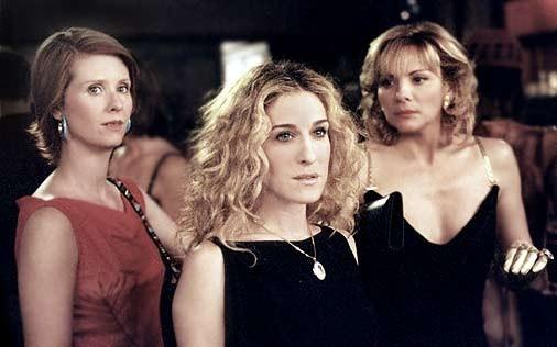 Cynthia Nixon, Sarah Jessica Parker e Kim Cattrall in una scena di Sex and the City, episodio Ad ognuna il suo fantasma