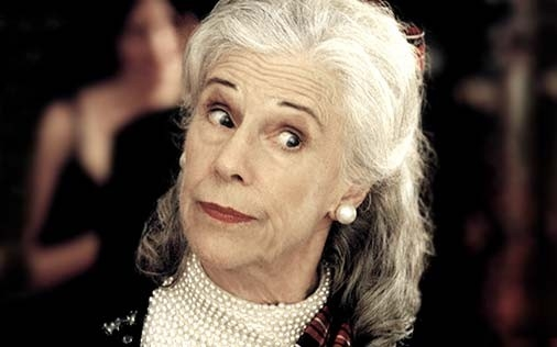 Frances Sternhagen in una scena di Sex and the City, episodio Basta dire sì