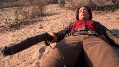 Gina Torres in una scena di Firefly, episodio Serenity