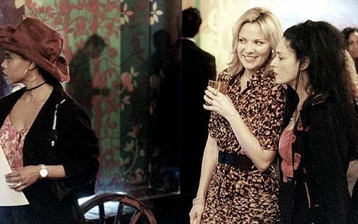 Kim Cattrall in una scena di Sex and the City, episodio Sesso e dintorni