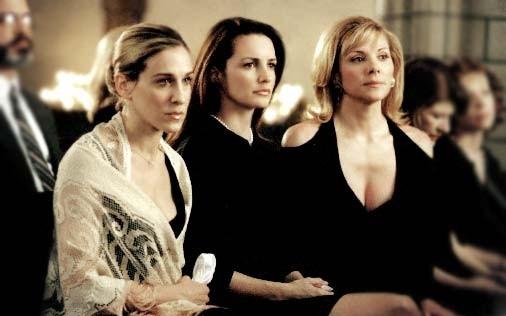 Kristin Davis,  Sarah Jessica Parker e Kim Cattrall in una scena di Sex and the City, episodio Computer, orgasmi e funerali