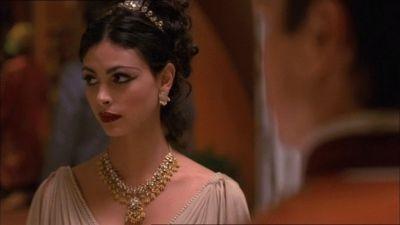 Morena Baccarin in una scena di Firefly, episodio Bon-ton pericoloso
