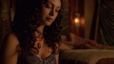 Morena Baccarin in una scena di Firefly, episodio Il sopravvissuto