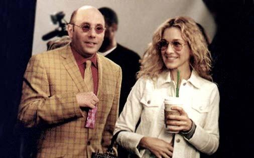 Sarah Jessica Parker e Willie Garson in una scena di Sex and the City, episodio Scrittrice in passarella