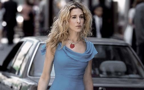 Sarah Jessica Parker in una scena di Sex and the City, episodio Delitto e castigo