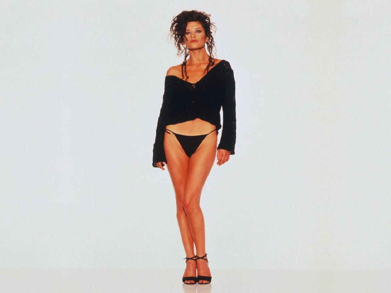 Wallpaper di Catherine Zeta-Jones in tacchi a spillo e lingerie