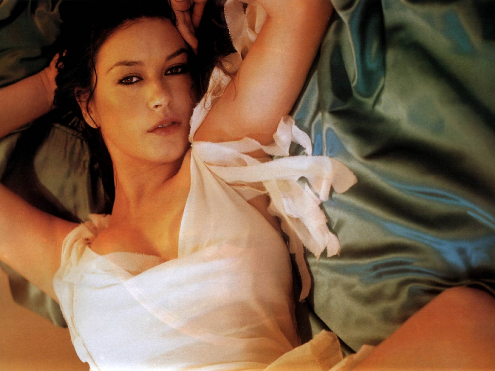 Wallpaper di una romantica e sensuale Catherine Zeta-Jones