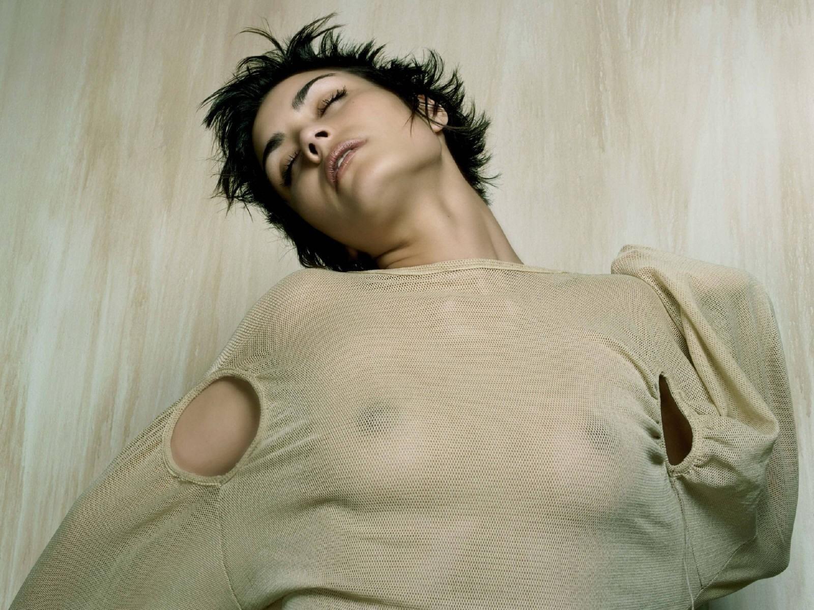 Wallpaper di Shannyn Sossamon a seno nudo