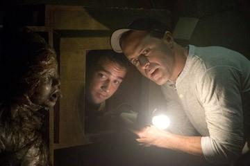 Il regista D.J. Caruso e Shia LaBeouf sul set del film Disturbia