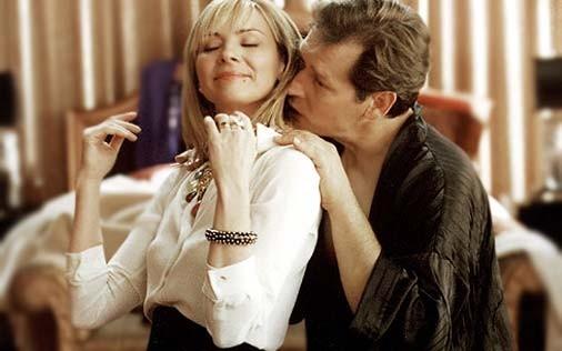 Kim Cattrall e James Remar in una scena di Sex and the City, episodio Punto sul trentasei